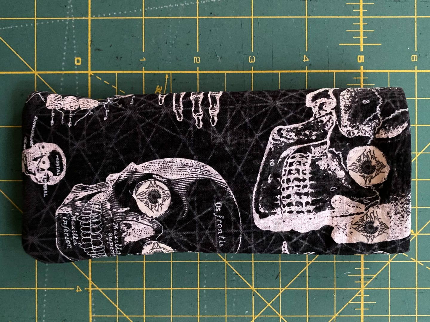 Image of the glasses case finished against a green cutting mat.
